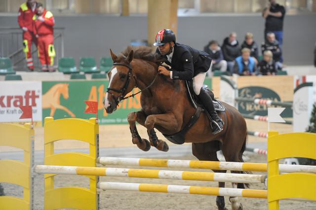 data/inhalt/events/2015/15152/Fotos horsesportsphoto Samstag/KaraevliOmer_Zyvola_B18_CSNB_Racino_chorsesportsphoto.eu.JPG