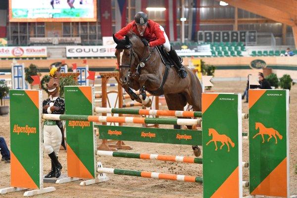 data/inhalt/events/2017/17082_CSN-B/horsesportsphoto_freitag_17082/MR2017_Mrz01_FR_PapousekJiri_Jenifer4_Bw09_kl.jpg