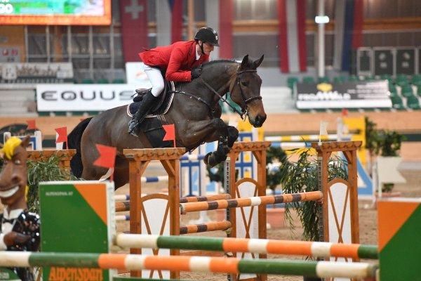 data/inhalt/events/2017/17082_CSN-B/horsesportsphoto_freitag_17082/MR2017_Mrz01_FR_TothLaszlo_TollForgo_Bw09_kl.jpg