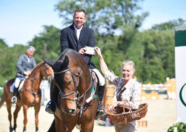 data/inhalt/events/2017/17085_CSI/horsesportsphoto_donnerstag_17085/PlatinTour_20170518-15375462-_kl.jpg