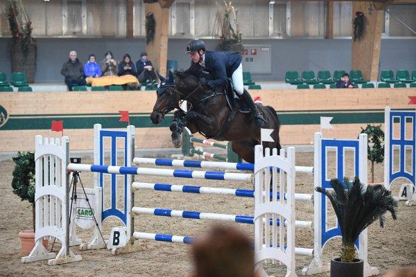 data/inhalt/events/2017/17093_CSN-B/horsesportsphoto_samstag_17093/MR2017_Dez_SA_Schonstetter Helmut_kl.jpg