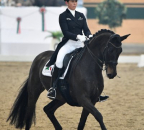 MagnaRacino Jan2017 Bw09 Weinbauer Belinda Fustanella kl